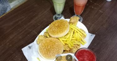 مطعم البيك دبي