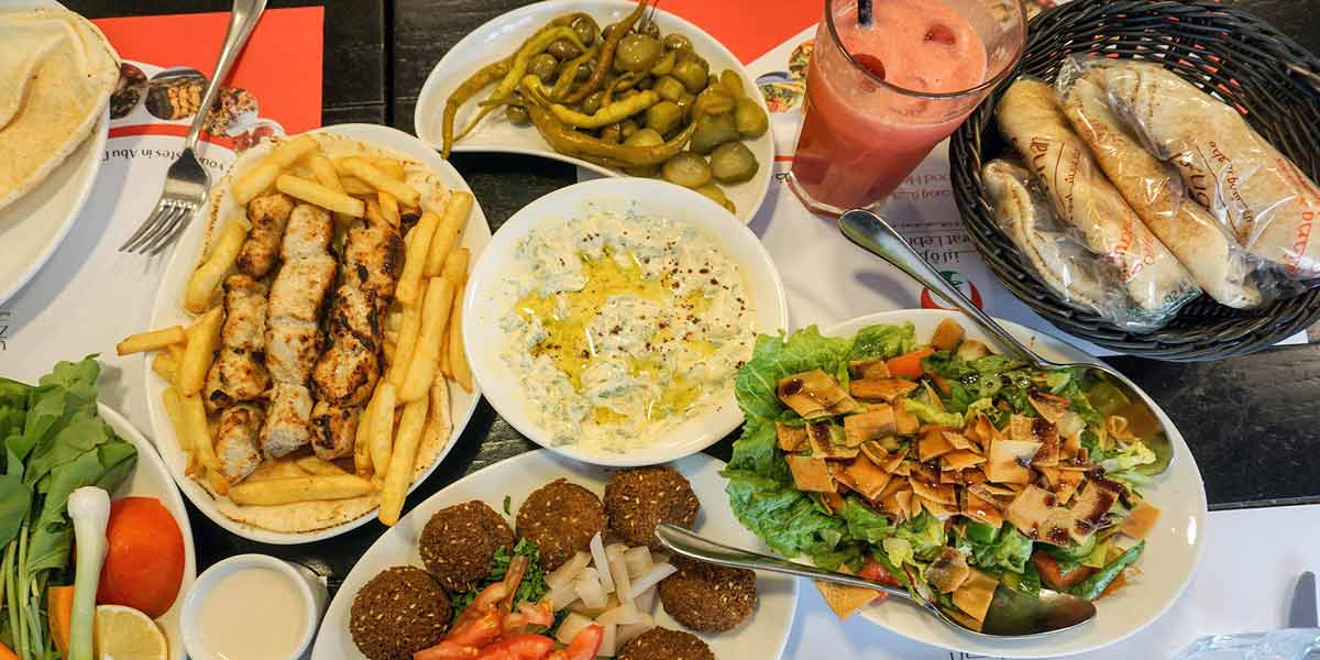 مطاعم شارع الشيخ راشد دبي