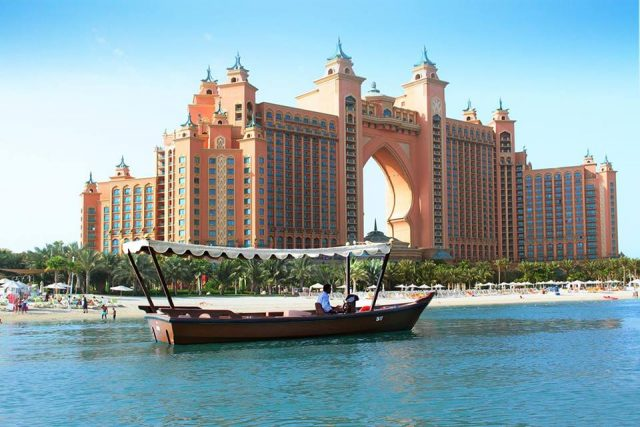 مطاعم اتلانتس النخلة دبي