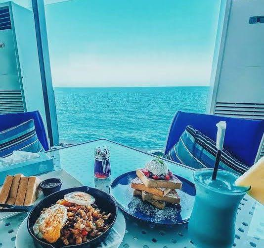 مطعم ومقهى كيف دبي