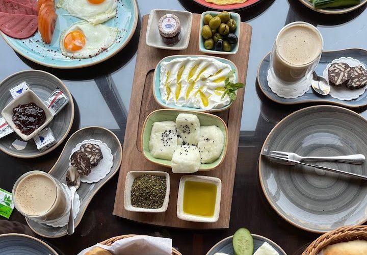 مطعم ومقهى الشرفة دبي